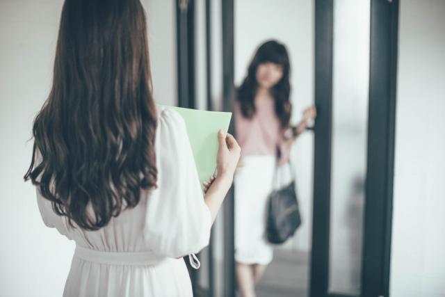 ビジネスシーンで活躍するキラキラ女子のイメージ