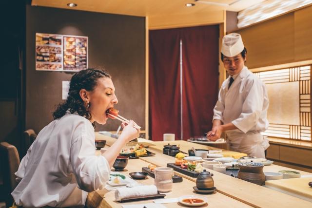 ちょっと高級なお店でお寿司を頂く図