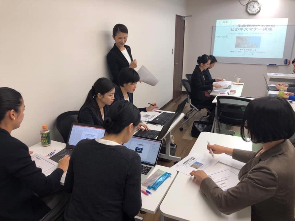 勉強会で学ぶJAMOI会員たち