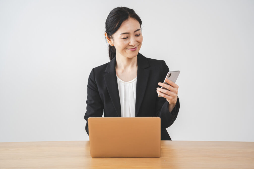 スマホとパソコンを使いこなすマナー講師