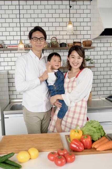 家族で楽しく!食事と台所のイメージ